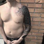 blackwork tattoo mandala pontilhismo pedro veloso