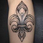 flor de lis blackwork pedro veloso ornamental