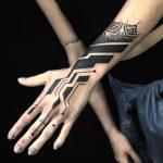 tribal blackwork pedro veloso kapala tattoo pontilhismo